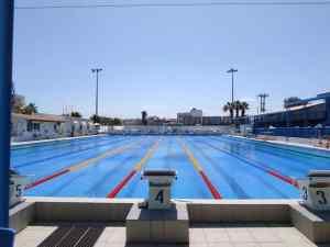 Γιορτή της κολύμβησης στην ανανεωμένη πισίνα του Ηρακλείου