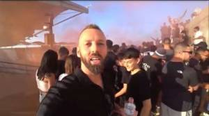O διάσημος YouTuber που ανέβηκε στην ...ταράτσα με τους οπαδούς του ΟΦΗ (VIDEO)