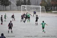 Eπαιξαν μπάλα στο χιόνι σε γήπεδο της Κρήτης (VIDEO)
