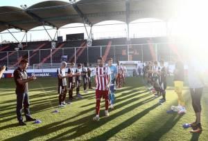 Οι παίκτες του ΟΦΗ χειροκροτούν τον πρωταθλητή Ολυμπιακό στο Γεντί Κουλέ (VIDEO)